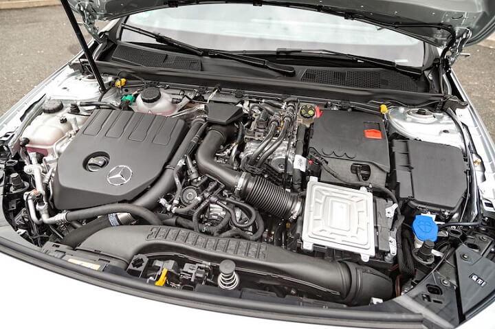 Mercedes A 250 e Sedán 218 CV, el precio de un híbrido enchufable que reina en soledad