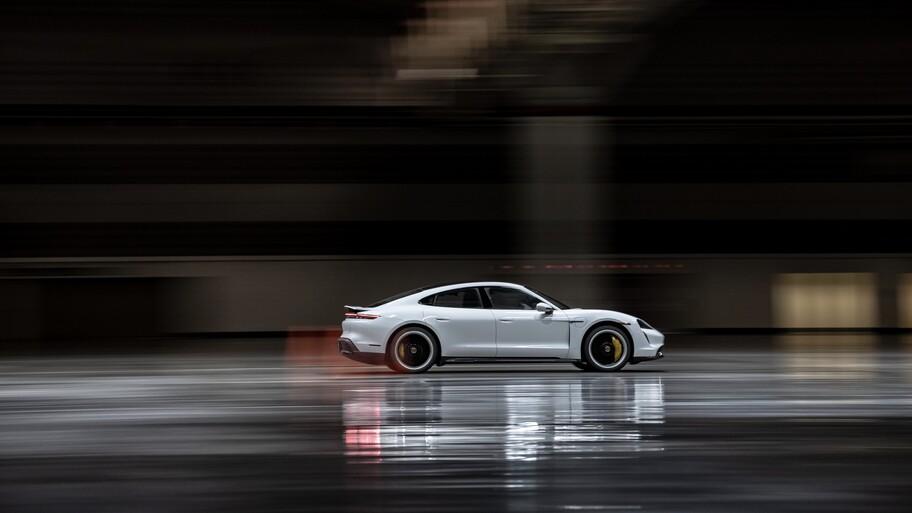 Porsche Taycan impone récord de velocidad dentro de un espacio cerrado
