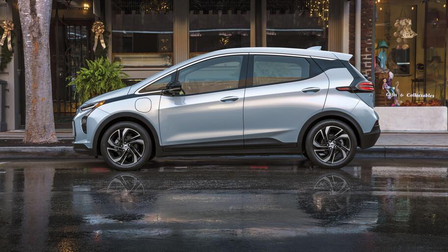 Chevrolet Bolt EV 2022, más atractivo y más barato