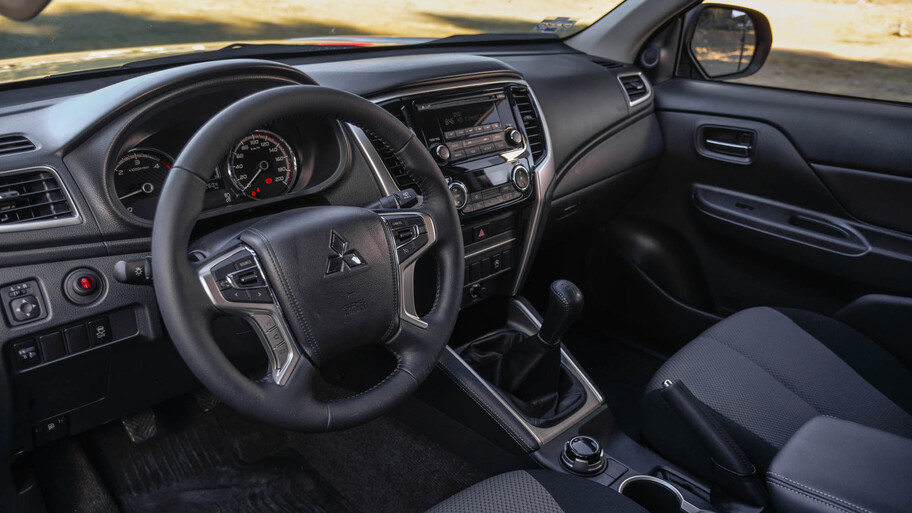 Mitsubishi L200 2021