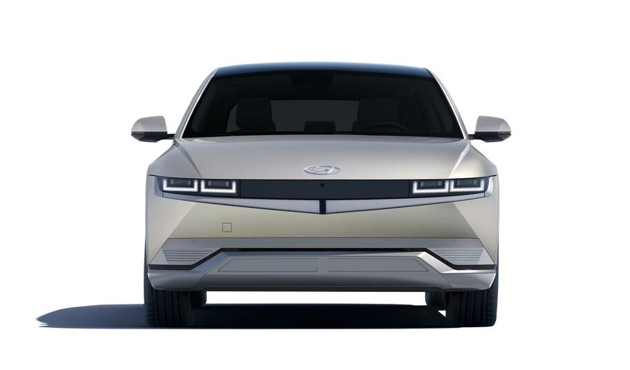 Hyundai Ioniq 5 es un atractivo SUV eléctrico con gran espacio interior y tecnología de sobra