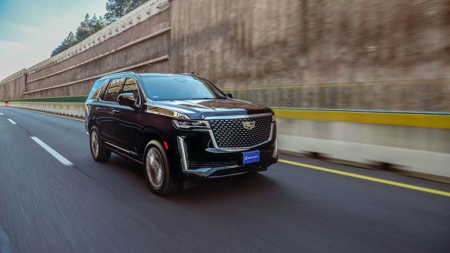 Cadillac Escalade 2021 vs Lincoln Navigator 2021 ¿cuál es la SUV americana más lujosa?