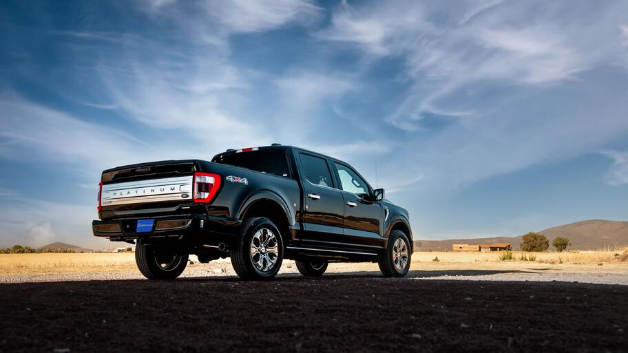 Ford Lobo 2021 a prueba, totalmente renovada y demuestra por qué es la reina de las pick ups