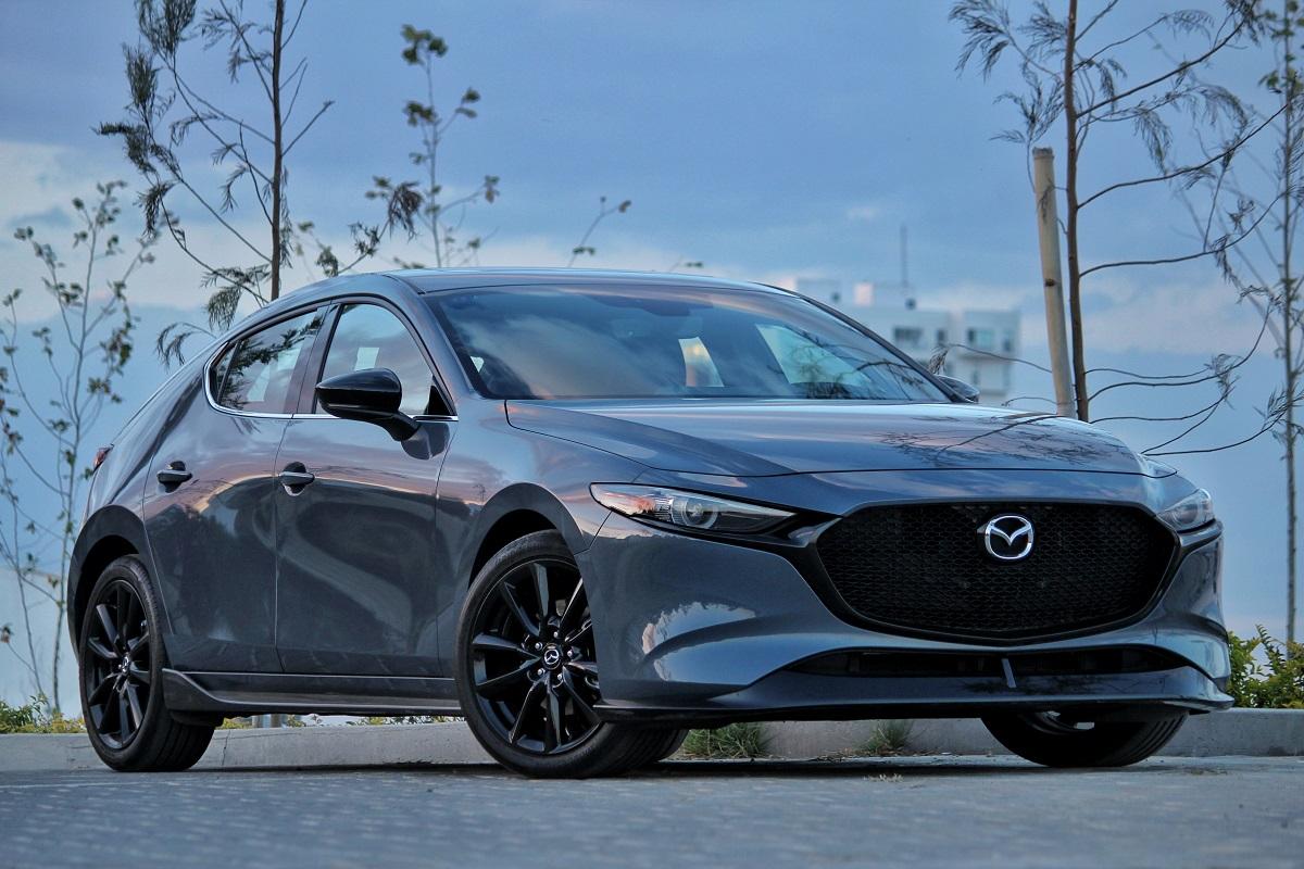 La exclusividad de un Mazda Polymetal Gray disponible en México