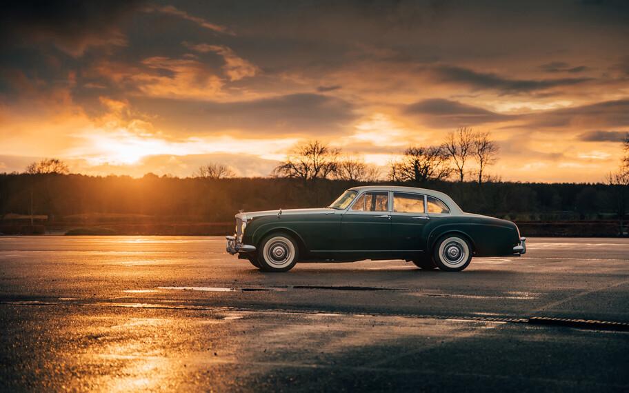 Bentley Continental Flying Spur 1961 por Lunaz: un auto clásico convertido a eléctrico