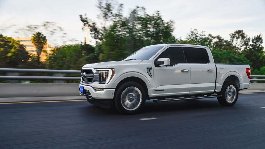 Ford Lobo Híbrida 2021 a prueba, con más torque que la Raptor