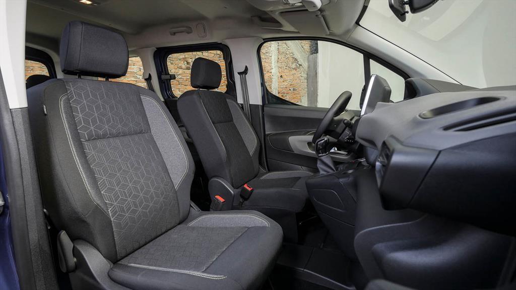 Peugeot Rifter 2022: ahora con de transmisión automática y motor a gasolina