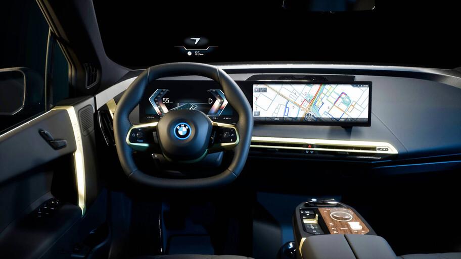 BMW iDrive 8, el nuevo sistema de info entretenimiento hace uso de una masiva pantalla curva