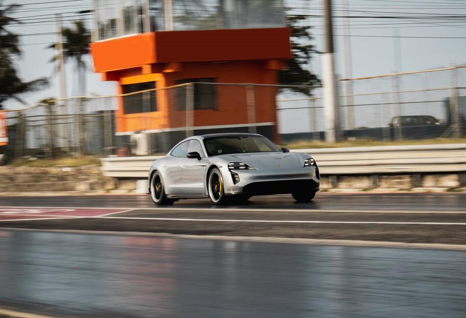 Porsche Taycan rompe récord de velocidad en el cuarto de milla