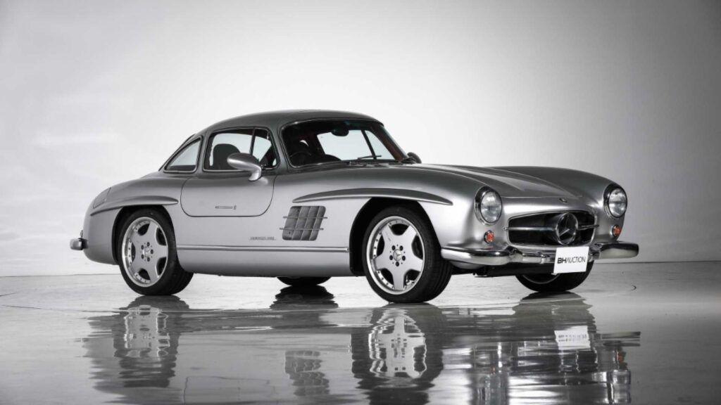 """Mercedes-Benz 300 SL """"alas de gaviota"""""""