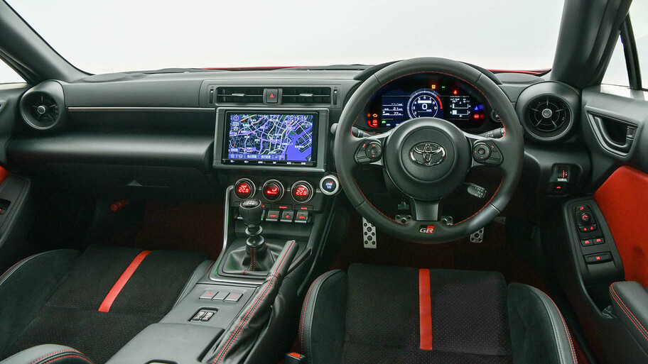 Toyota GR86 2022, un Subaru BRZ con un poco de Supra