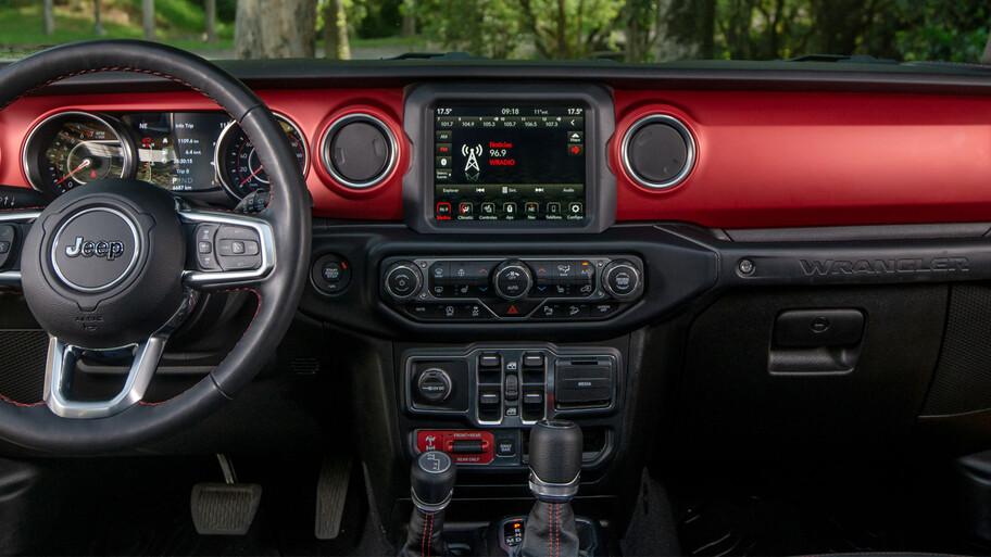 Jeep Wrangler Unlimited eTorque 2021 a prueba, una ayudadita eléctrica par el mejor todoterreno