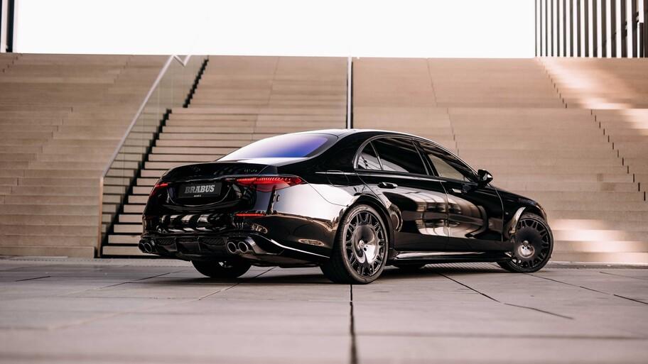 Brabus B50 es un Mercedes-Benz Clase S dotado de más lujo y poder