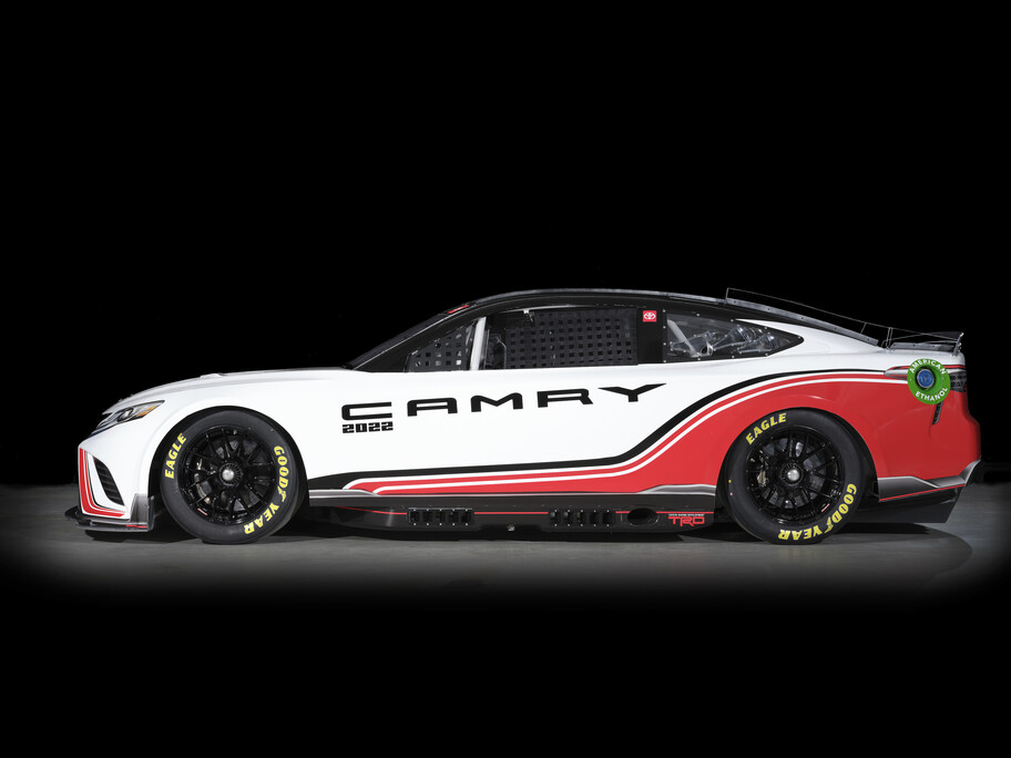 Toyota Camry Next Gen, el nuevo auto de carreras para la NASCAR 2022, es idéntico al de calle