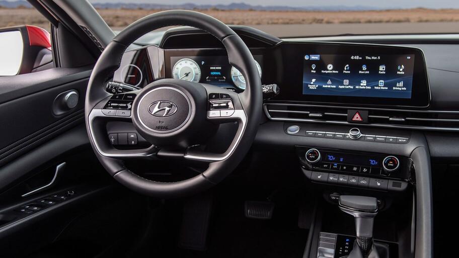 Hyundai Elantra 2022, llega a México un rival de cuidado para Volkswagen Jetta y Nissan Sentra
