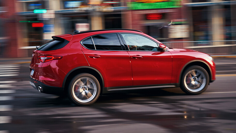 Alfa Romeo Stelvio Lusso 2021 llega a México, tan sensual como siempre, pero más elegante