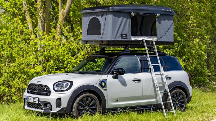 Mini Cooper SE y Countryman PHEV, campamento sustentable