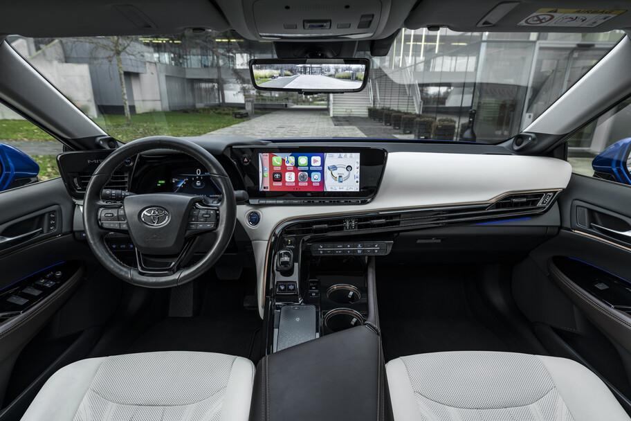 Toyota Mirai rompe el récord de autonomía de un automóvil a hidrógeno
