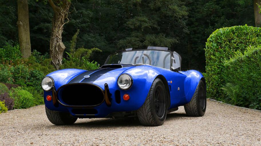 El clásico AC Cobra se convierte en un auto 100% eléctrico