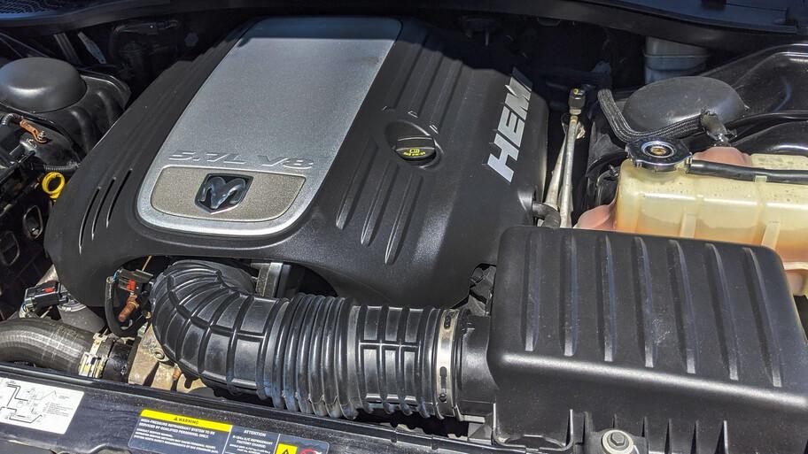 Dodge Charger R/T sometido a cirugía, ahora es una pickup, sí leíste bien