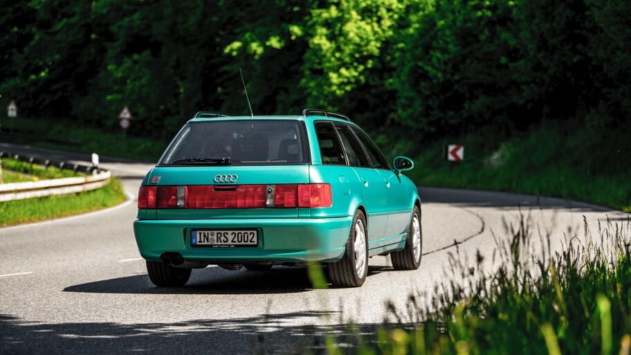 Audi RS2 Avant: el station wagon deportivo desarrollado por Porsche