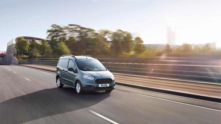 Ford Transit Courier 2022 prepara su llegada a México