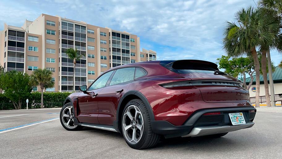 Porsche Taycan Cross Turismo 2022, versatilidad electrificada para cualquier aventura