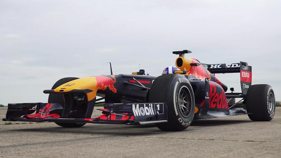 Red Bull F1 vs Bugatti Chiron, ¿cuál es más rápido?