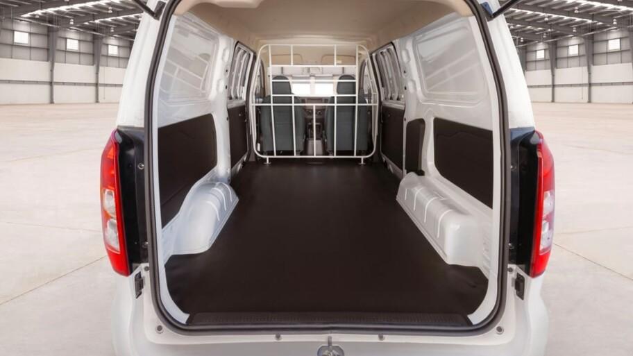 Chevrolet Tornado Van 2022 llega a México, una nueva camioneta accesible y lista para el trabajo
