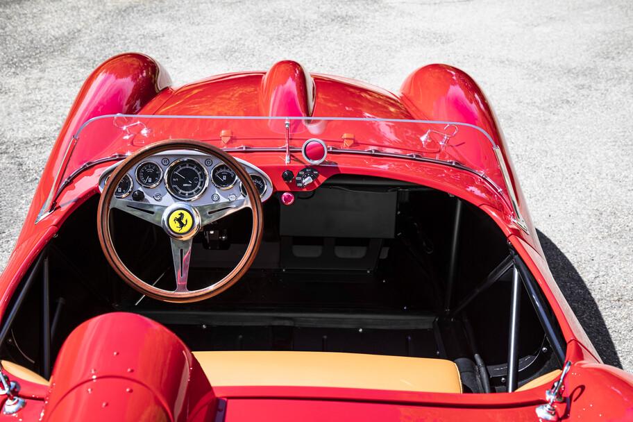 Ferrari Testa Rossa J: la recreación eléctrica y a escala del legendario 250 Testa Rossa 1957