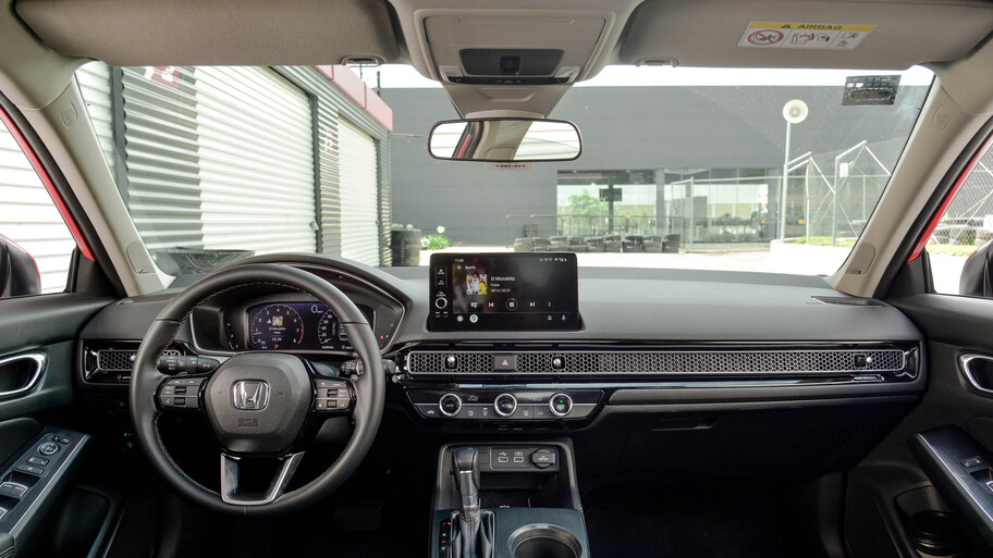 Hyundai Elantra 2022 VS Honda Civic 2022 ¿Cuál es mejor compra?