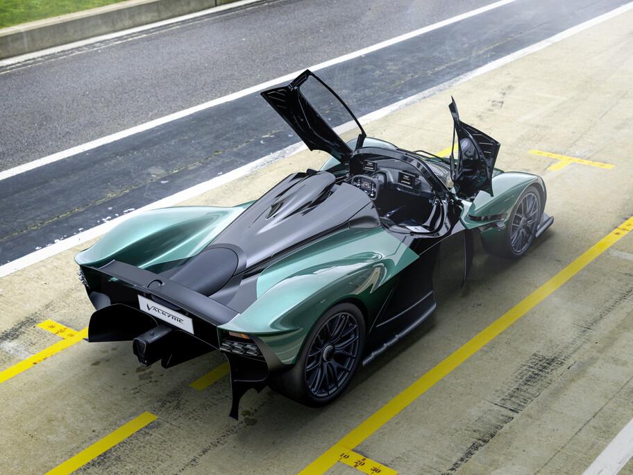 Aston Martin Valkyrie Spider ofrece una conducción lo más parecida a un monoplaza de Formula 1