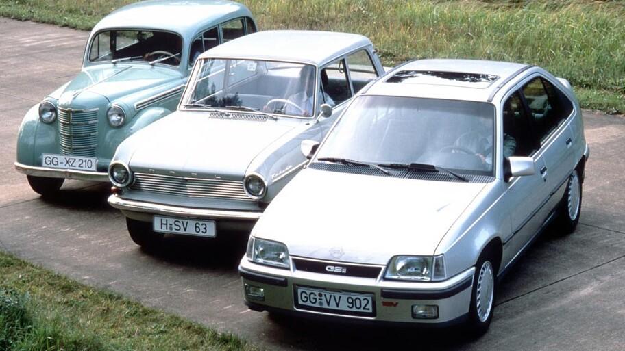 El Opel Astra celebra su 30 aniversario