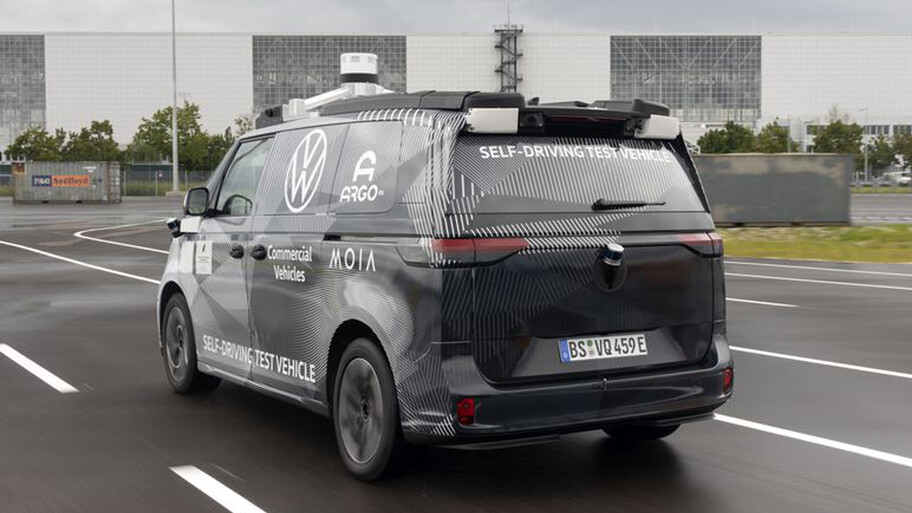 Volkswagen Kombi volvería como un taxi o delivery autónomo