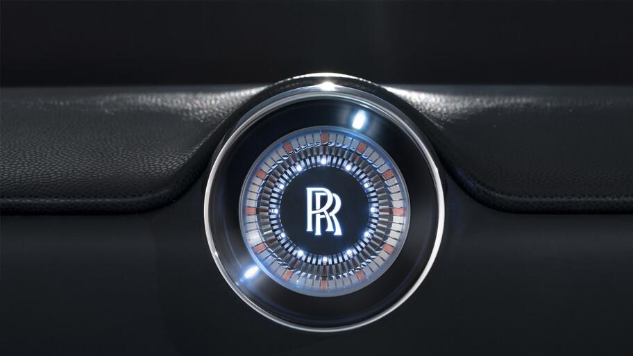 Rolls-Royce Spectre, el primer modelo electrificado de la marca llega en 2023