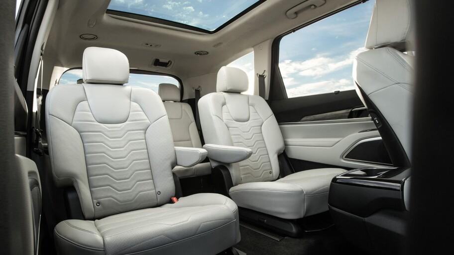 Consumer Reports elige a los autos con mayor y menor seguridad en los asientos traseros
